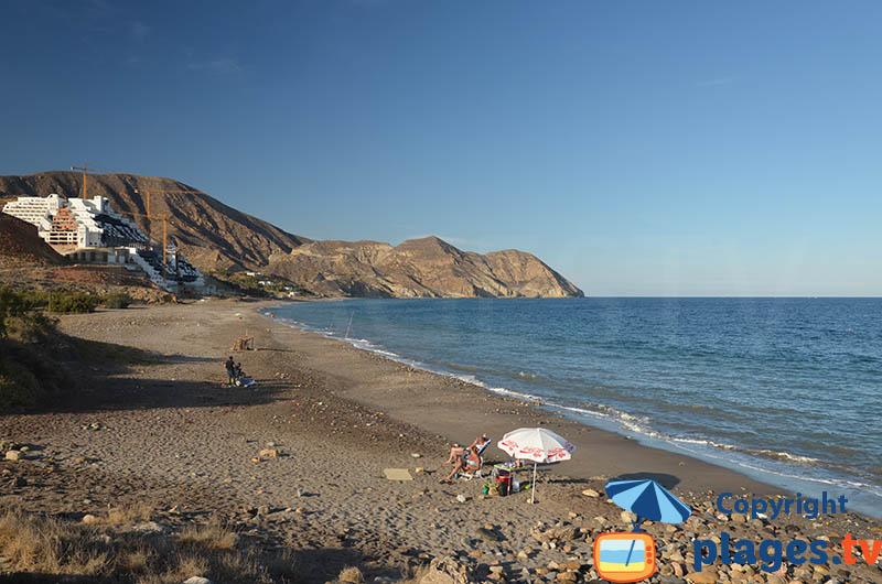 La plage de Algarrobico à la sortie de Carboneras