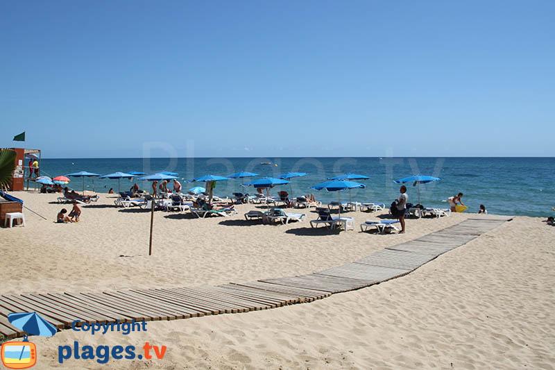 La plage naturiste du nord de Barcelone