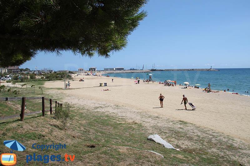 Arenys de Mar et sa plage près du port