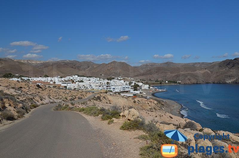 Village de Las Negras en Andalousie avec ses maisons blanches