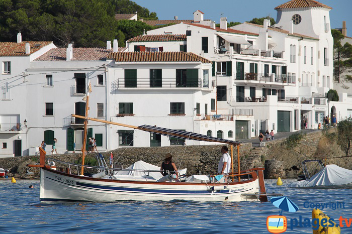 Barque à touriste à Cadaquès