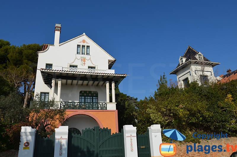 Belle maison le long de plage de Sant Pol