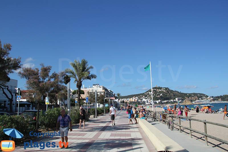 Promenade en front de mer de Blanes à proximité du centre-ville