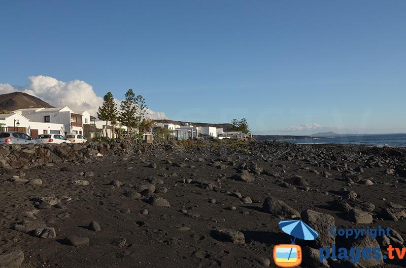 Bord de mer d'El Golfo avec sa lave volcanique - Lanzarote