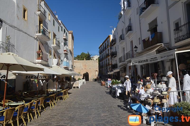 Boutiques dans la vieille ville d'Ibiza