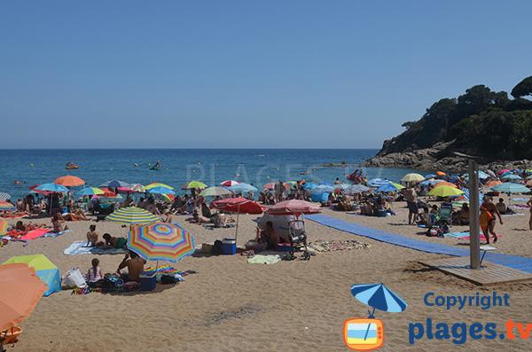 Accès aménagé sur la plage de la Cala de St Francesc à Blanes - Espagne