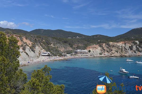 Photo de la plage de la Cala Hort à Ibiza