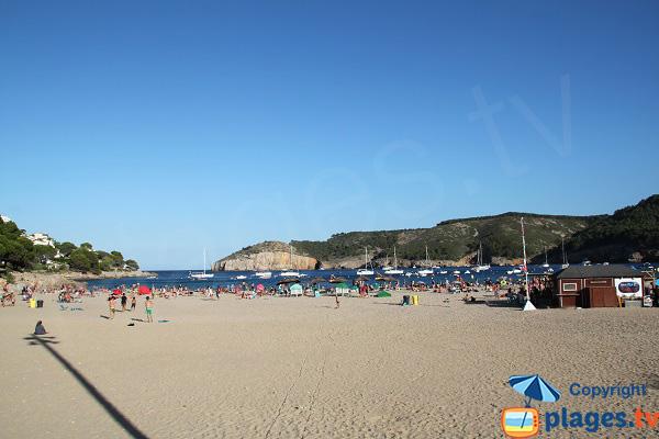 Photo de la plage de Cala Montgo - Escala - Espagne
