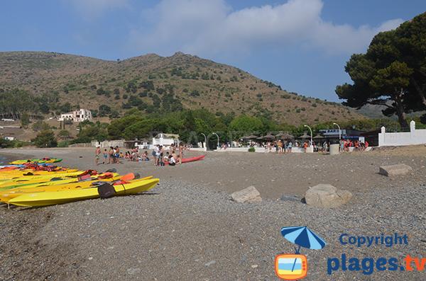 Kayak dans la Cala Montjoi - Roses