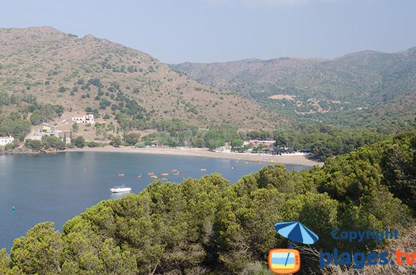 Photo de la Cala Montjoi dans le Cap Creus à Roses en Espagne