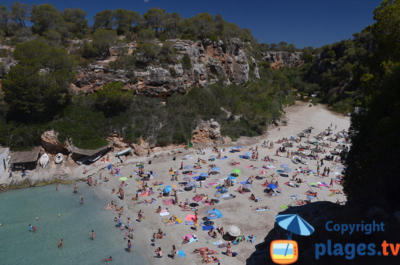 Une plage dans un fjord à Majorque