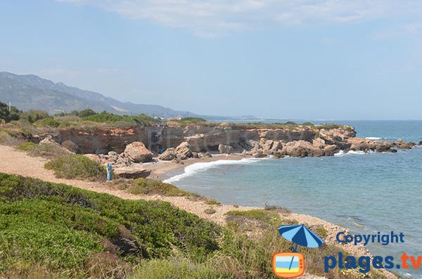 Photo de la plage dans la Cala de Sol de Riu à Vinaros