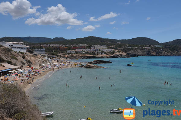 Photo de la plage de Cala Tarida à Ibiza