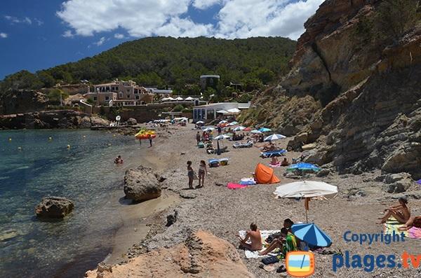 Plage de la plage xarraca à Ibiza à proximité de Portinatx