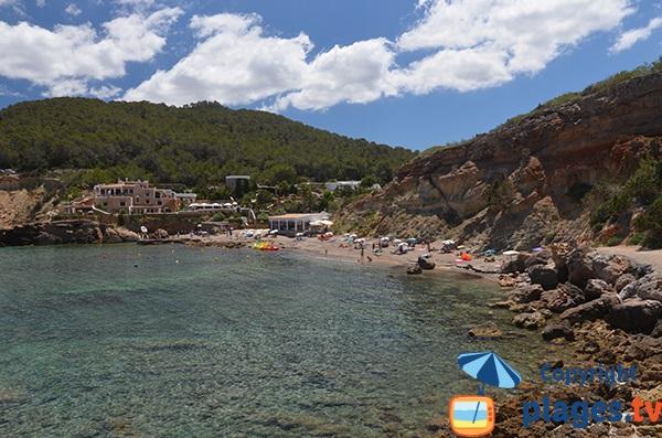 Photo de la plage de la Cala Xarraca à Ibiza