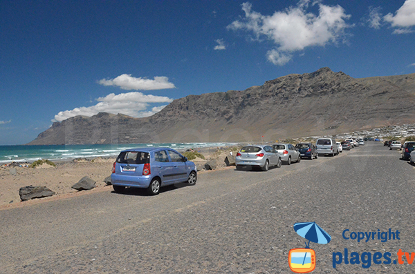 Parking of Famara beach