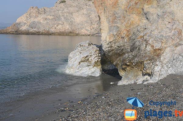 Accès à la plage naturiste de Cantarrijan - Espagne