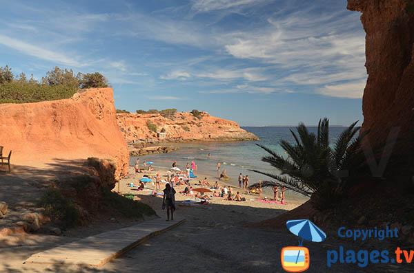 Crique de Es Bol Nou à Ibiza