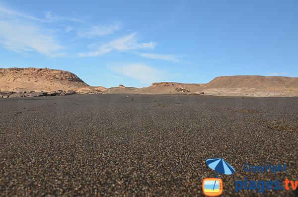 Crique avec du sable noir aux Canaries - La Pared