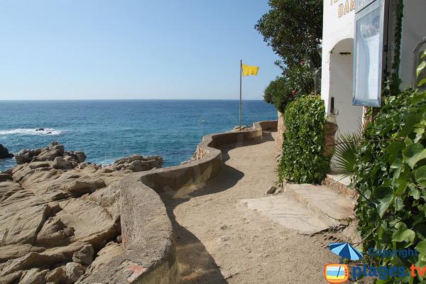 Chemin de ronde proche de la grande plage de Platja d'Aro