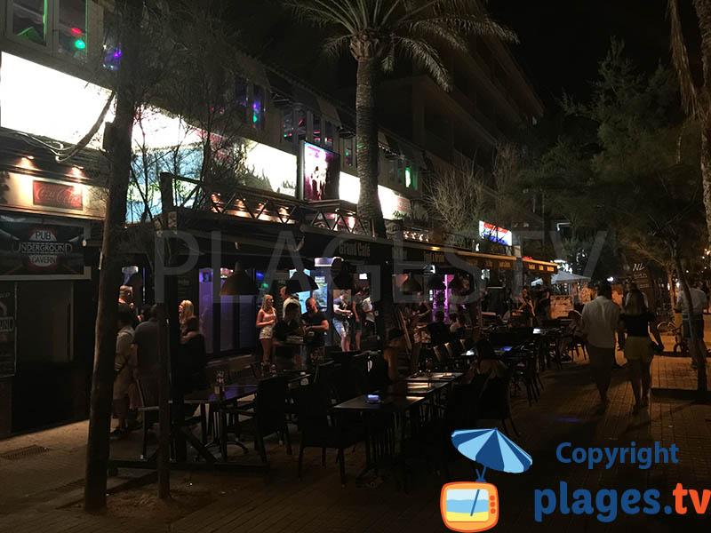 El Arenal le soir au bord de mer