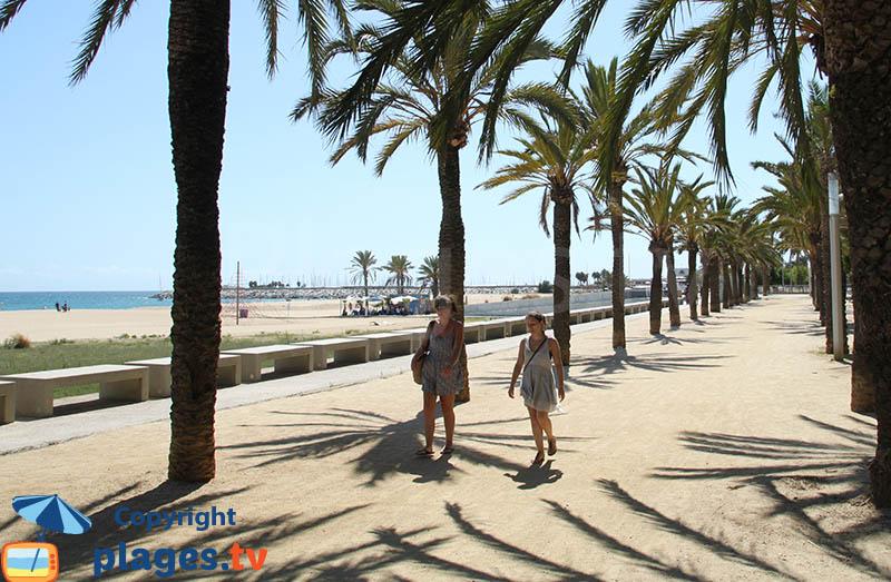 Promenade le long de la plage d'El Varador - Mataro