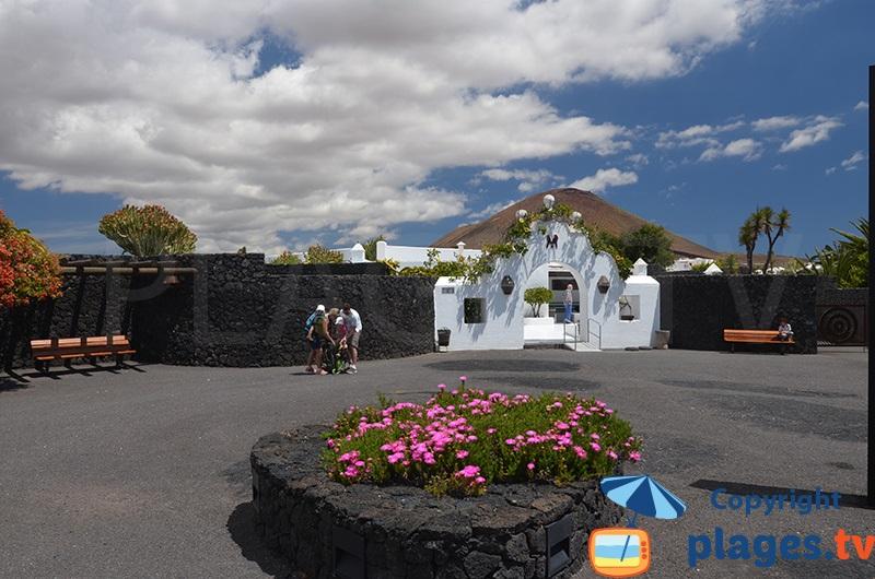 Entrée de la fondation de Manrique à Lanzarote