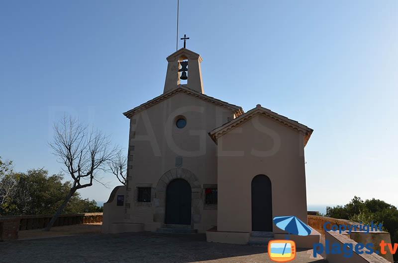 Eglise sur les hauteurs de Sant Feliu de Guixols