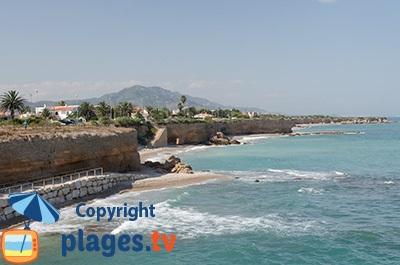 Falaises de Vinaros en Espagne avec ses plages