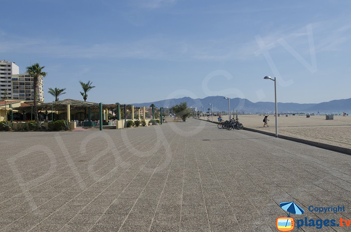 Beachfront of Empuriabrava