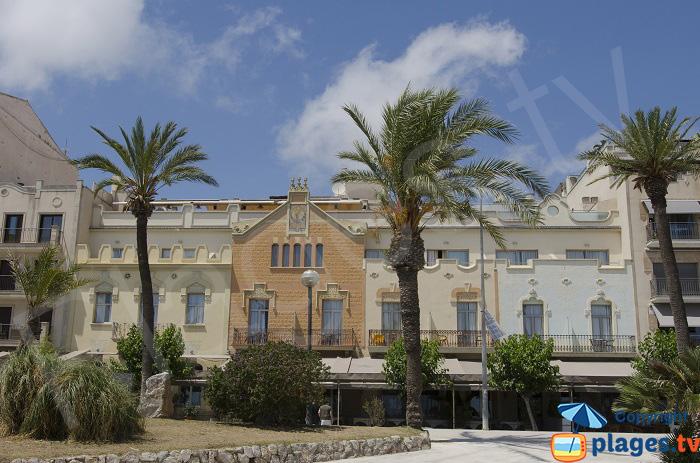 Maisons en front de mer dans le centre de Sitges