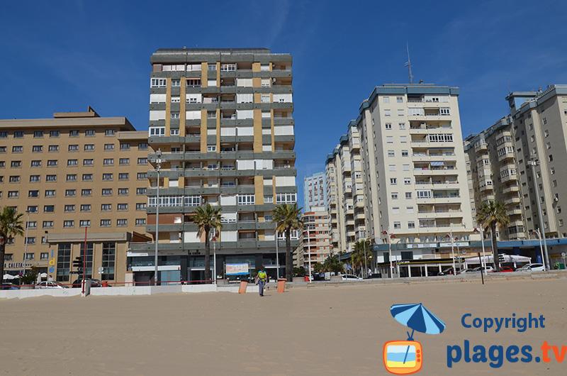 Front de mer dans le quartier balnéaire de Cadix