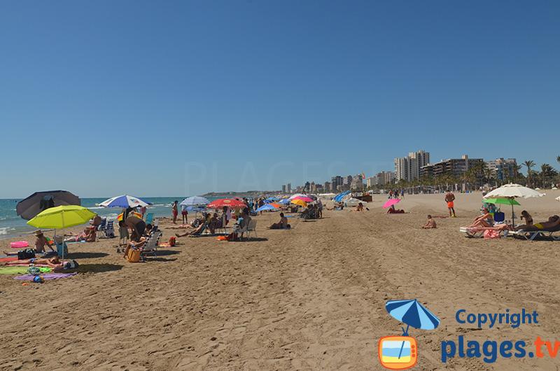 Grande plage d'Alicante dans le sud de l'Espagne
