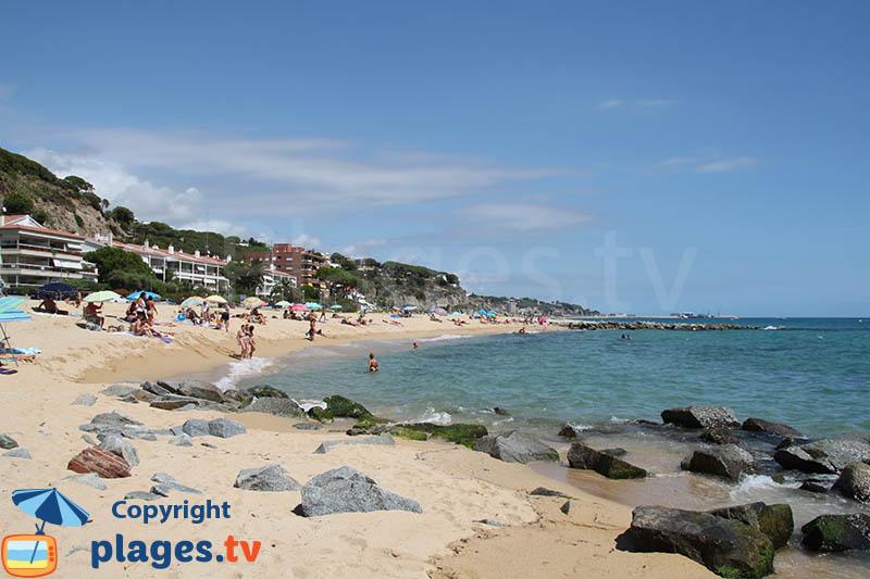 Grande plage de Caldes d'Estrac en Espagne