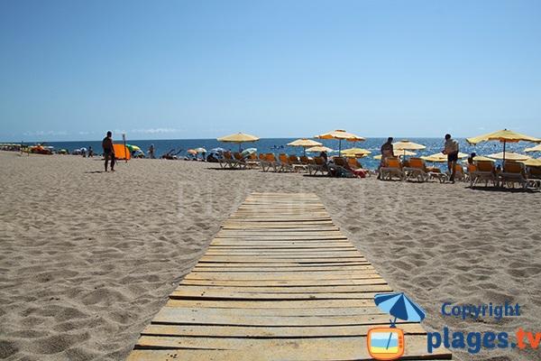 Accès pour les handicapés sur la plage de Calella