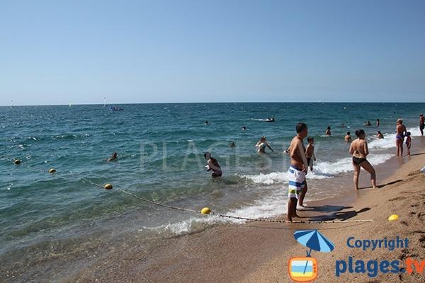Baignade au nord de Barcelone - Calella