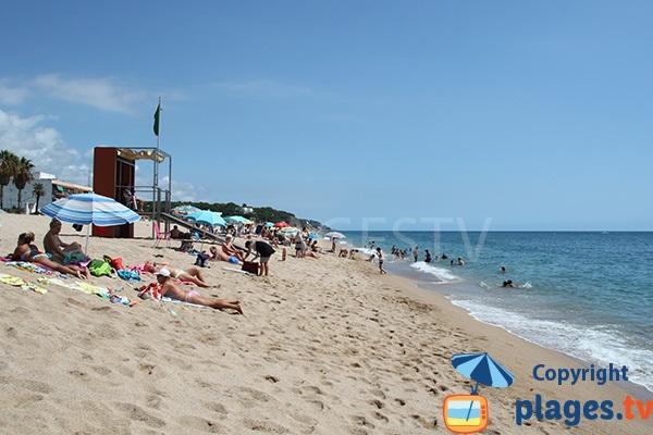 Grande plage de Canet de Mar en Espagne
