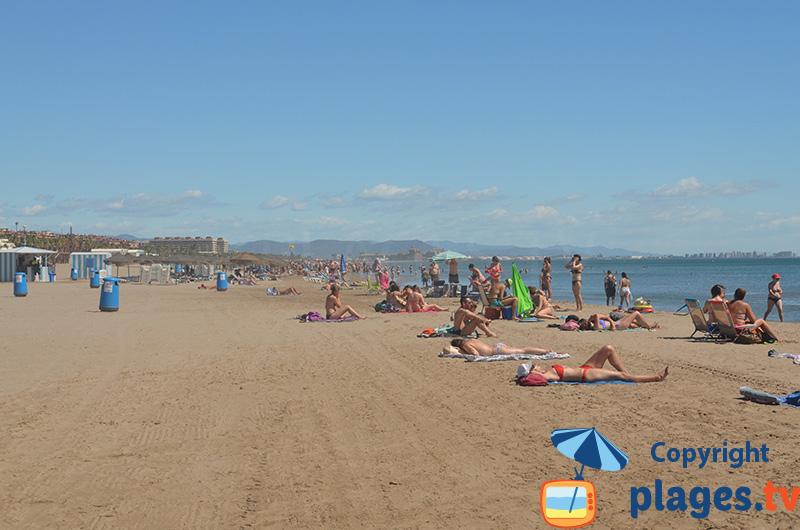 Grande plage dans le centre de Valence