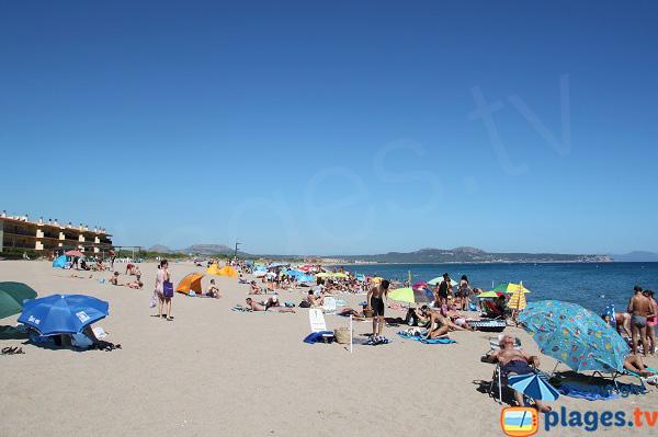 Grande plage de Pals en Espagne