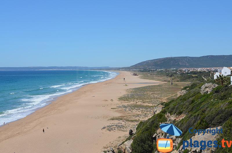 Grande plage de Zahara en Andalousie