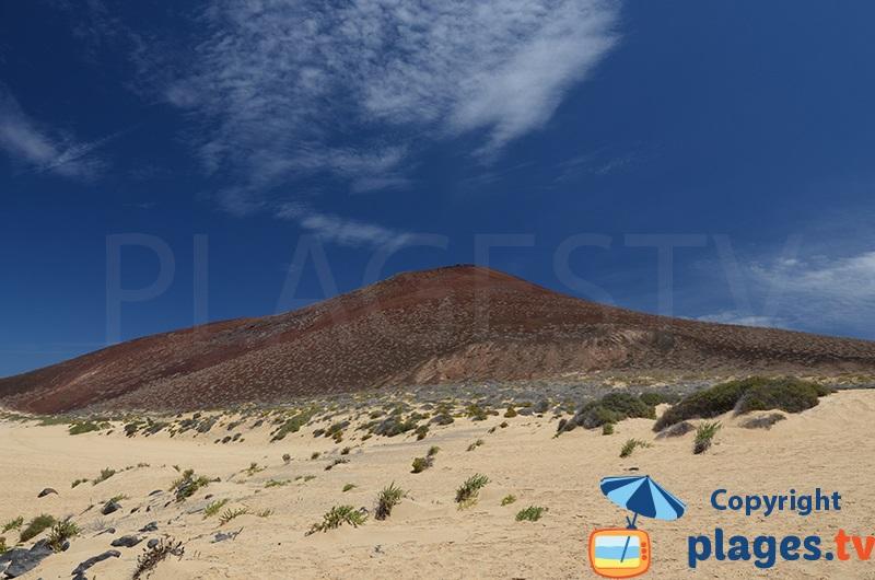 Volcan sur l'ile de La Graciosa à Lanzarote