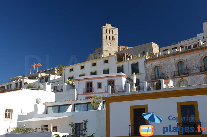 Maisons dans la vieille ville d'Ibiza