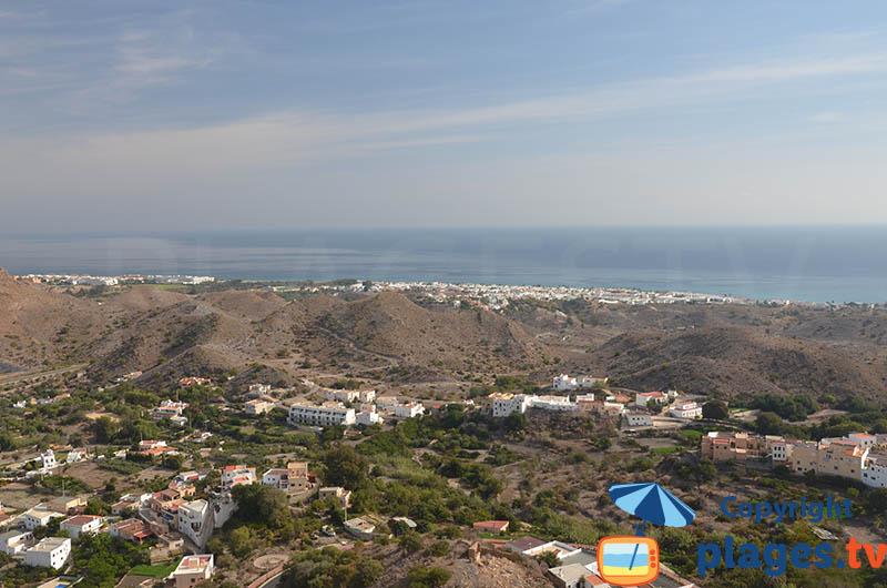 Vue depuis Mojacar sur la mer et sur les volcans