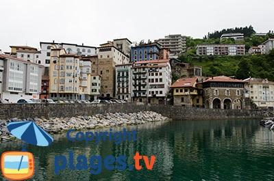 Mutriku au niveau du port - Pays Basque