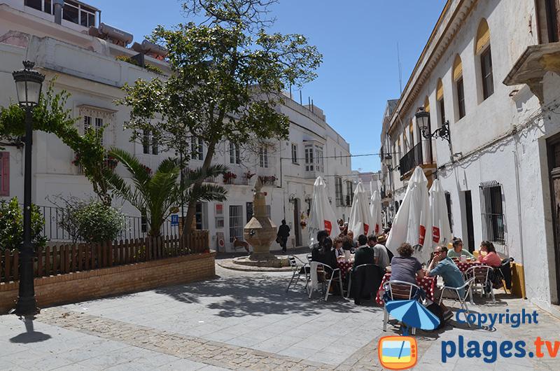 Petite place dans la vieille ville de Tarifa
