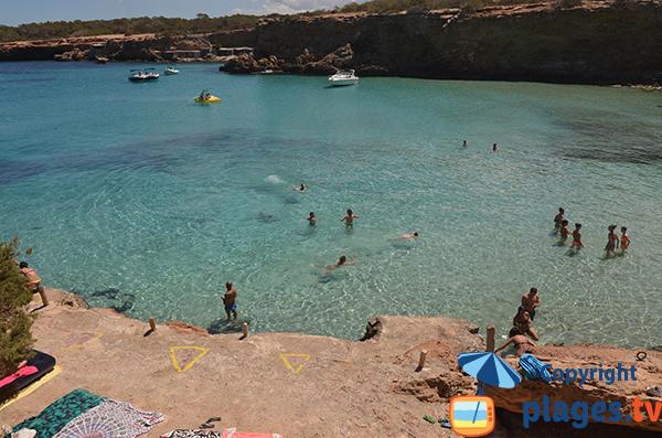 Piscine naturelle à Ibiza