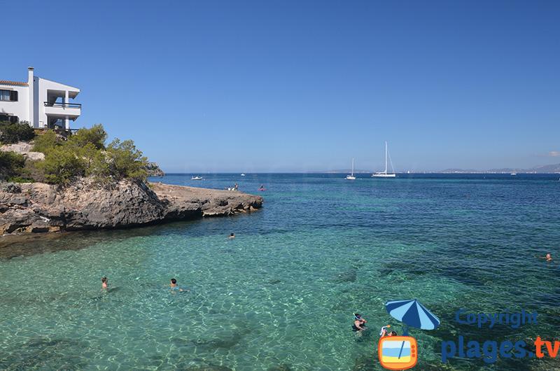 Piscine naturelle de Cala Moques sur l'ile de Majorque