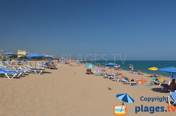Location de matelas sur la plage du Centre de Malgrat de Mar
