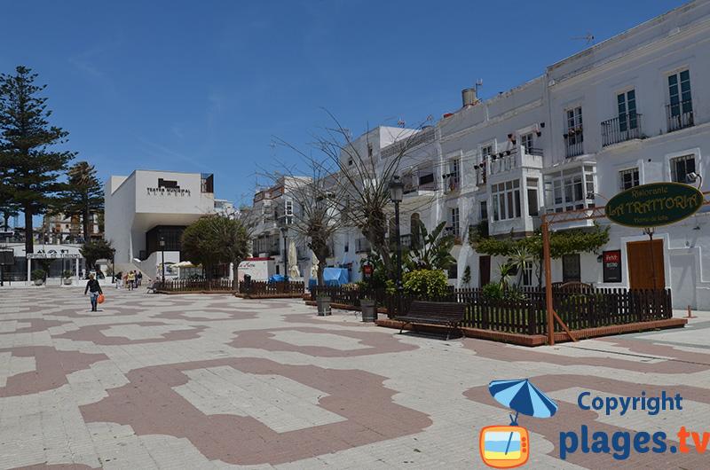 Place à Tarifa en bordure de la vieille ville - Espagne