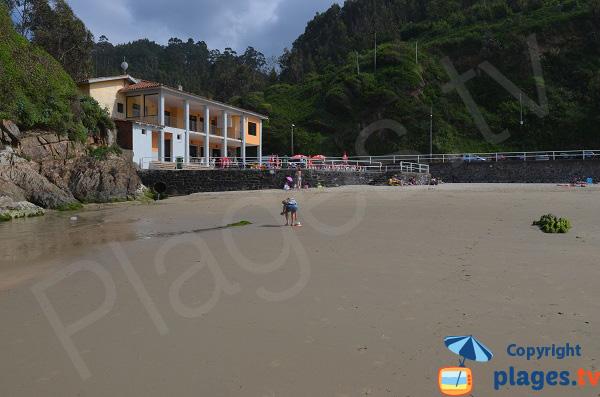 Hôtel et restaurant sur la plage d'Aguilar en Espagne - Asturie